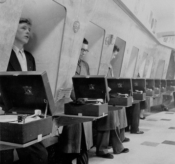 Customers-using-listening-booths-1950s-HMV