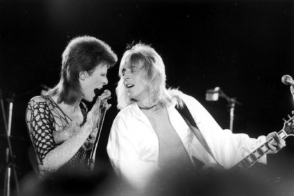 David-Bowie-and-Mick-Ronson-630x420.jpg