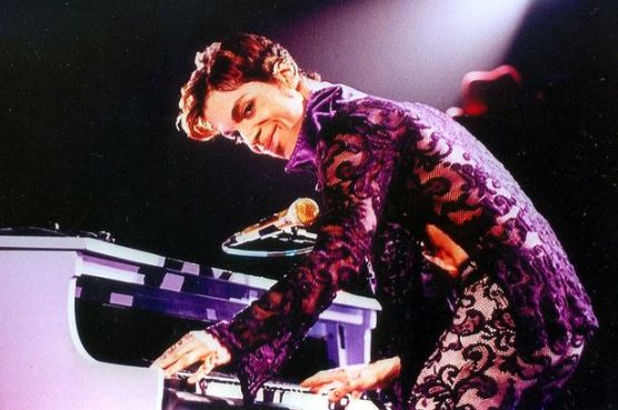 MAIN-Prince-in-concert.jpg